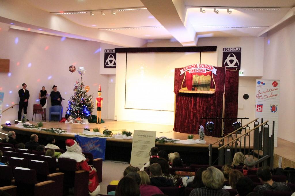 Spectacles pour enfants arbres de Noël marionnettes Guignol guerin